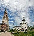 Успенский Собор и Никольская церковь.jpg