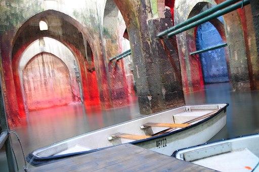 בריכת הקשתות - סירות משוטים