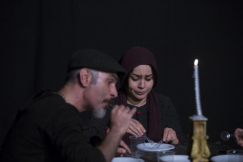 File:تئاتر باغ وحش شیشه ای به کارگردانی محمد حسینی در قم به روی صحنه رفت - عکاس- مصطفی معراجی 02.jpg