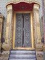บานประตูพระอุโบสถ วัดราชบพิธสถิตมหาสีมาราม.jpg
