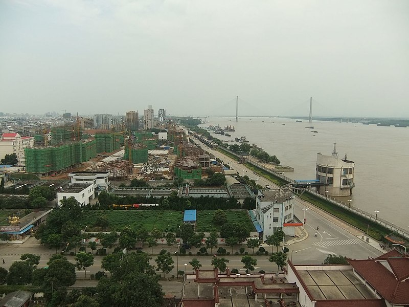Tiedosto:振风塔左望 - Look Left from Zhenfeng Pagoda - 2010.07.jpg