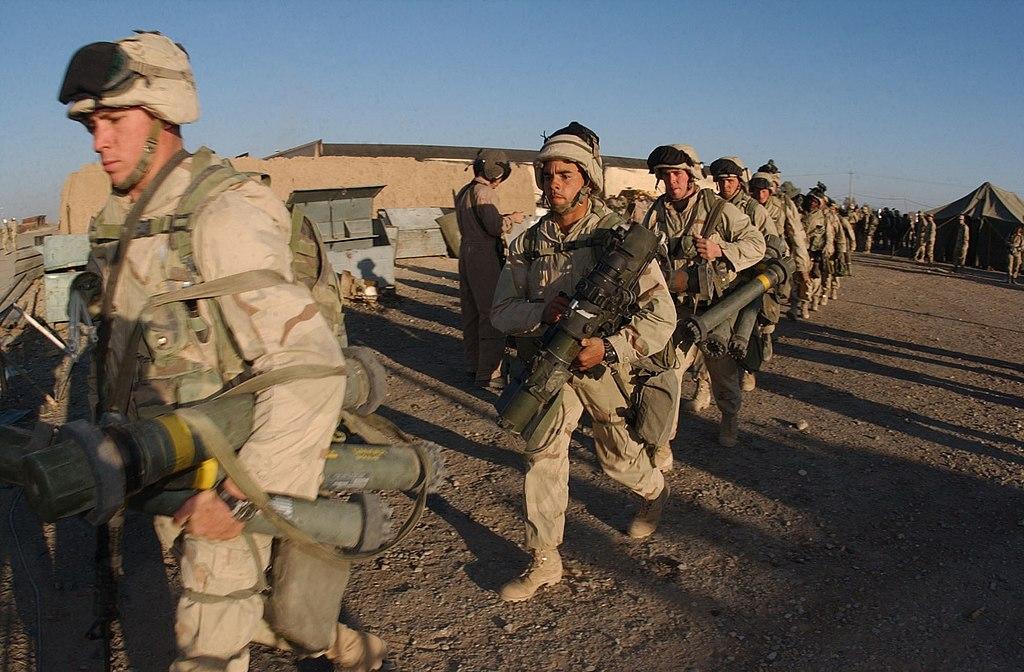 1024px-020105-N-2383B-516_U.S._Marines.jpg
