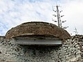 039 Turó de la Rovira, antiga bateria antiaèria i antena.jpg