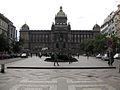 087 Plaça de Venceslau, monument al sant i Museu Nacional.jpg