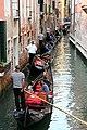 0 Venise, gondoliers sur le Rio di San Salavador (5).JPG