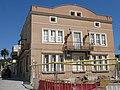 15 Casa de la Vila, c. Estació 25 (la Granada), façana c. Doctor Cuscó.jpg
