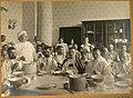 1915. 10. Раненые в столовой лазарета за обедом.jpg