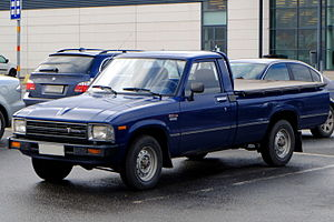 1983-1988 Toyota Hilux N40 in blue.JPG