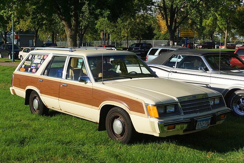 File:1984 Ford LTD Squire.jpg