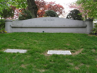 Robert De Niro Sr. - The De Niro family grave in Kensico Cemetery