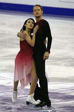 2015 Grand Prix of Figure Skating Final Madison Chock Evan Bates IMG 9256.JPG
