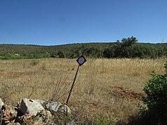 2017-08-08 Hunting sign on the roadside verge, Estevais dos Moiros.JPG