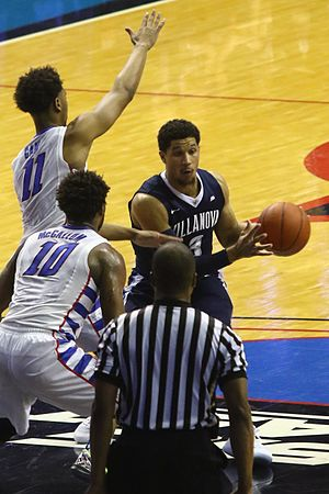 Josh Hart (basketball) - Image: 20170213 Villanova Depaul Josh Hart in the paint