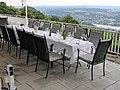 29. Bonner Stammtisch, Petersberg (gedeckter Tisch).jpg