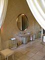 37 quai d'Orsay salle de bain de la reine1.jpg