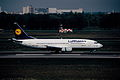 407cn - Lufthansa Boeing 737-300, D-ABEF@TXL,07.05.2006 - Flickr - Aero Icarus.jpg