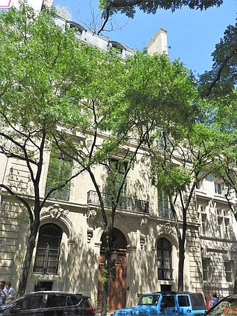 Epstein was accused of sex trafficking of minors at his mansion at 9 East 71st Street. 9 E71 St jeh.jpg