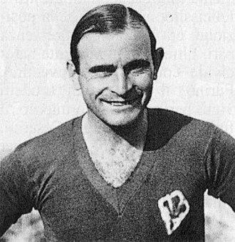Pedro Petrone - Petrone wearing Fiorentina shirt