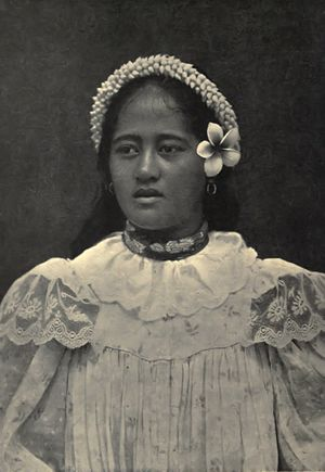 Women in Oceania - A woman from Tahiti, French Polynesia, circa 1906.