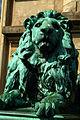 Adolf Rosenthal Braunschweiger Löwen Mimik des linken vor der Gottfried-Wilhelm-Leibniz-Universität Hannover Welfengarten 1.jpg