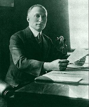 Adolph Zukor by Apeda 1922.jpg