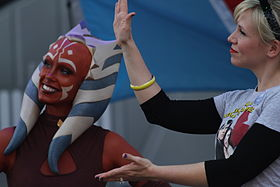 Ahsoka et Ashley Eckstein au Star Wars Weedends en 2012.