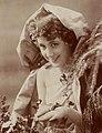 Aimée Campton, btv1b8596946r-p015 (cropped).jpg