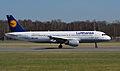 Airbus A320-211 (D-AIQN) 01.jpg