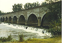 Allier Pont Canal LeGuétin.jpg