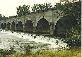 280px-Allier_Pont_Canal_LeGu%C3%A9tin.jpg