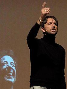 Andrea Scanzi nel 2012 a teatro