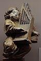 Ange musicien jouant de l'orgue.jpg