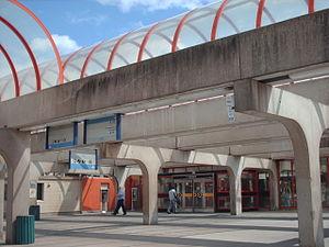Angrignon station - Station kiosk