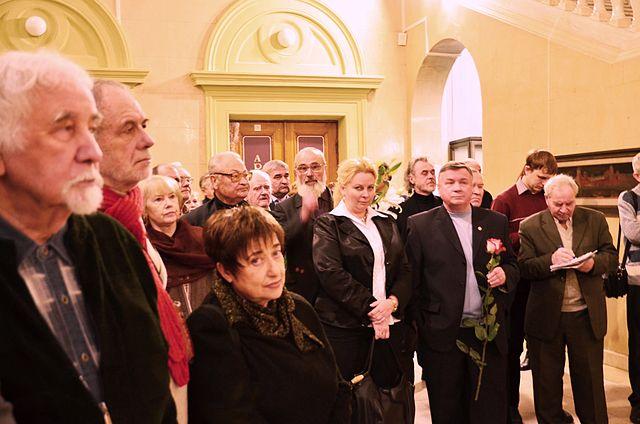 12 декабря 2013 года среди белорусской творческой интеллигенции в Национальном художественном музее Беларуси.