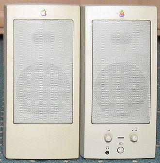 PowerCD - AppleDesign Powered Speakers (M6082)