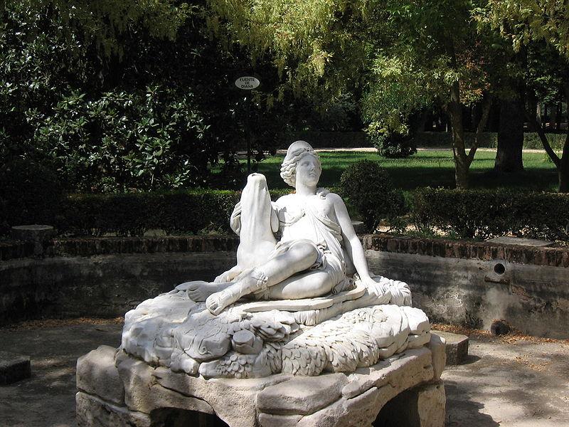 http://upload.wikimedia.org/wikipedia/commons/thumb/6/60/Aranjuez_JardinIsla_FuenteDiana.jpg/800px-Aranjuez_JardinIsla_FuenteDiana.jpg