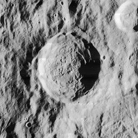 Baade crater 4186 h2.jpg