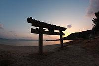 Beachside Torii, Naoshima.jpg