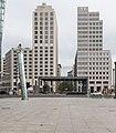 Beisheim Center und Bahnhof am Potsdamer Platz in Berlin.jpg