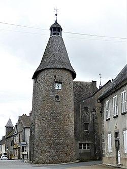Bellegarde-en-Marche tour Horloge (3).jpg