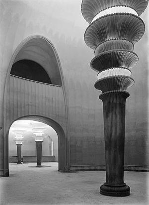 Großes Schauspielhaus - Light columns in the entrance hall, circa 1920
