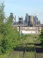 Blast furnaces and cooling tower, Scunthorpe steelworks - geograph.org.uk - 450926.jpg