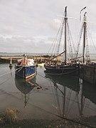 Boats near Medway Cruising Club (geograph 2686442).jpg