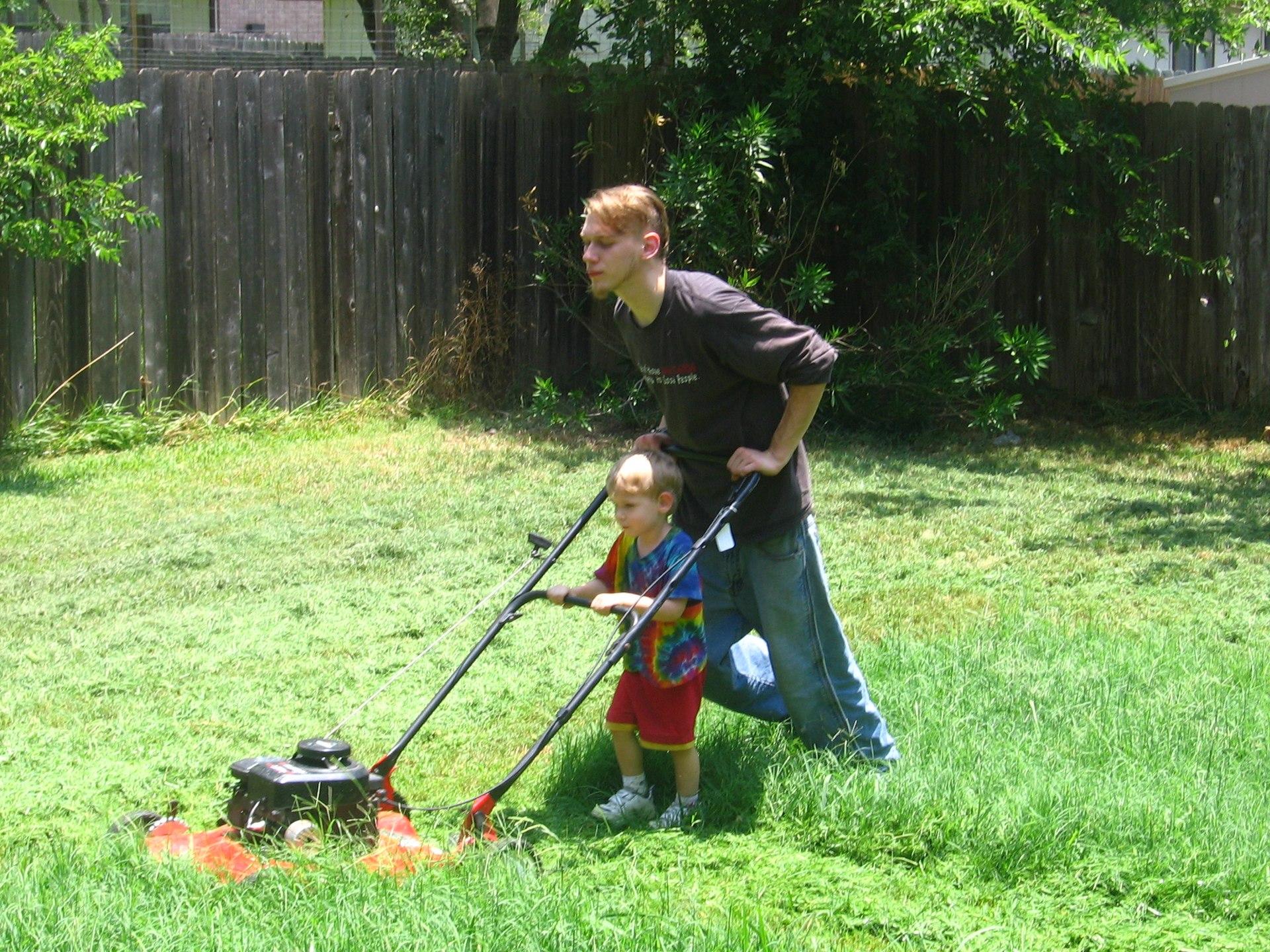 Lawn mower - Wikimedia Commons
