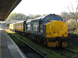 Bristol Temple Meads - DRS 37402 in Fish Dock.jpg