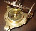 Bronze compass sundial 001.png
