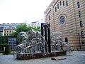 Budapest Grande Synagogue Saule Pleureur 06052005 - panoramio.jpg