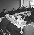 Bundesarchiv Bild 183-E0221-0013-002, Berlin, Rat für gesamtdeutsche Fragen, Beratung.jpg