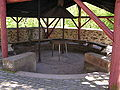 Burg Hessenstein 12 Grillplatz im Burghof.jpg