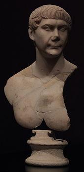 Buste de Trajan 4.jpg